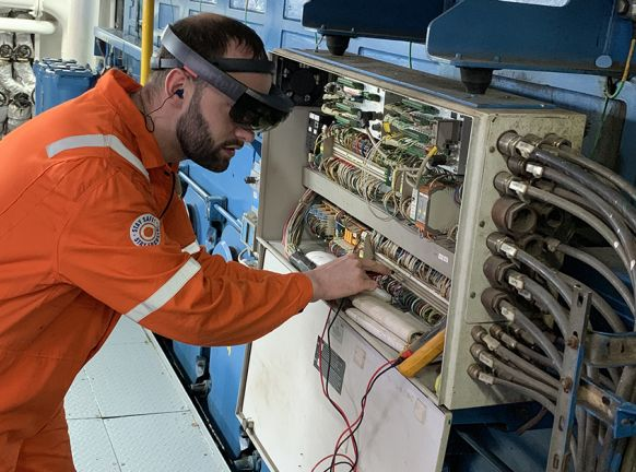 Servicing ships remotely via augmented reality glasses